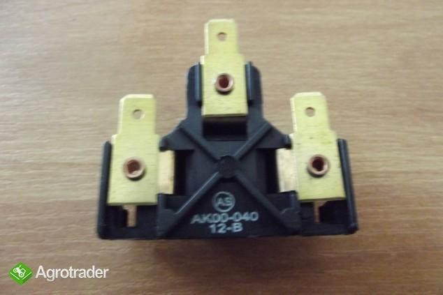 Kostka reflektora żarówki URSUS C 330, C 360, C 385, MF