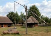 Ukraina. Oddamy stare drewniane budynki do rozbioru, wies